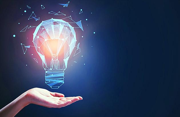 知识是一只电灯泡,手掌心朝上
