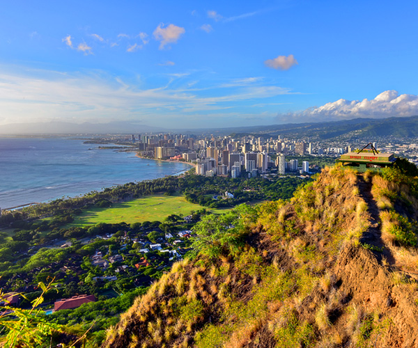 Diamond Head Oahu Community Information by Better Homes & Gardens Advantage Realty