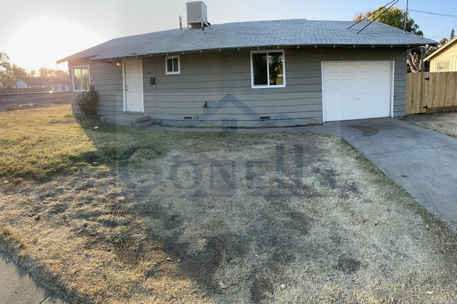 Rent $1100 Deposit $1100  2405 R Street (Head west on W Olive, Turn left onto R St) New flooring in kitchen and bath, New stove, New Paint, living room, kitchen with dinette, new blinds throughout, large and spacious backyard, attached 1 car garage. No Pets.  Credit Check required = $20 processing fee per applicant (Payable by cashiers' check or money order) All tenants are required to obtain renters insurance of at least 50K prior to signing lease. FOR MORE INFORMATION – CALL GONELLA PROPERTY MANAGEMENT AT (209)383-6277!  Gonella Property Management DRE#01103054