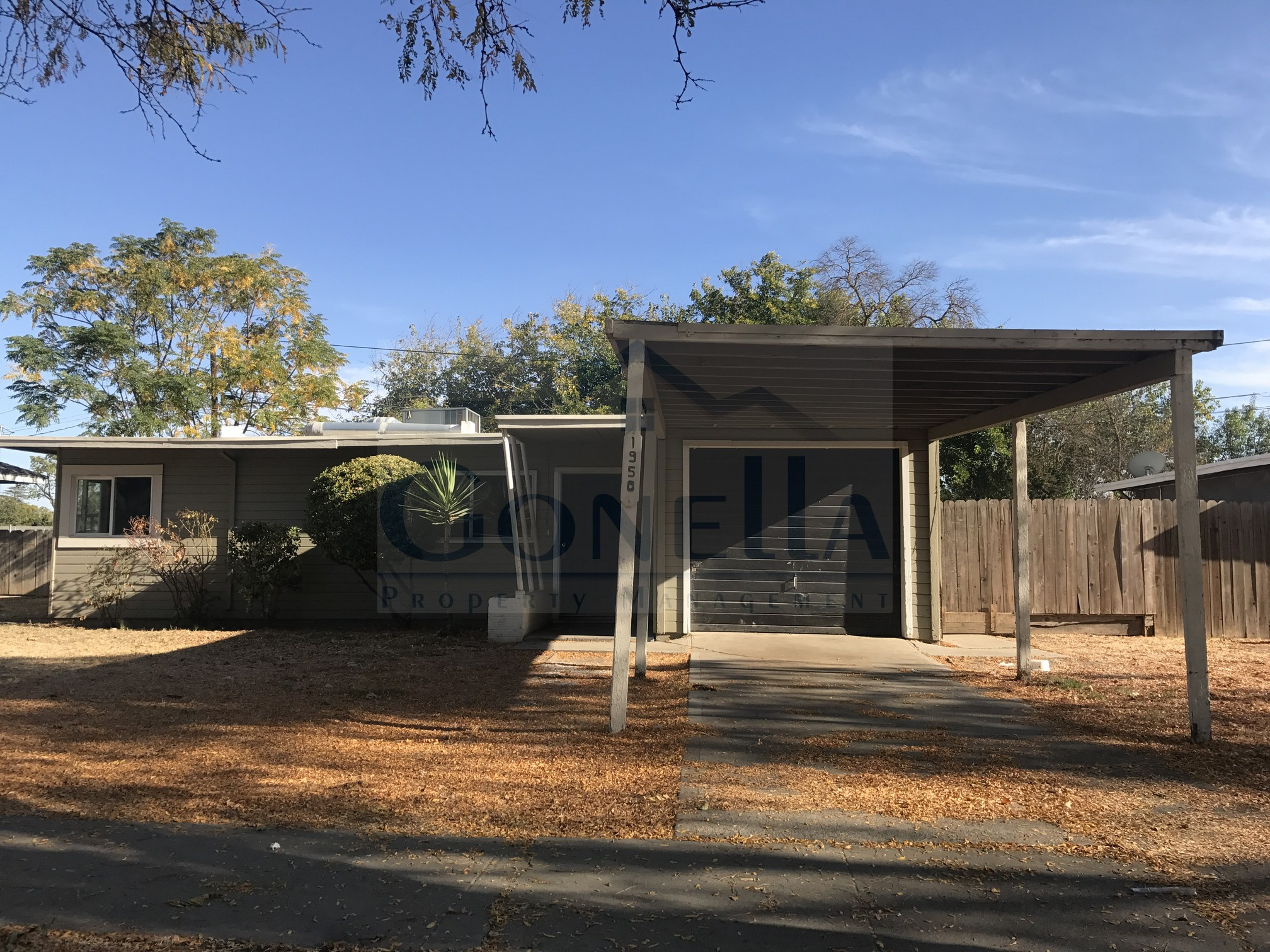 Rent $1100 Deposit $1100  1950 Glen ( W Olive Ave, Right on G St, Left on E 21st, Right on Glen) 907 Sq ft, living room with fireplace, kitchen, landscaped front and back, , laundry hook ups, Car port, landscaped front and back. No pets!   To obtain a credit application, click on APPLICATION Tab Above.  Credit Check required = $20 processing fee per applicant (Payable by cashiers' check or money order) All tenants are required to obtain renters insurance of at least 50K prior to signing lease. FOR MORE INFORMATION   CALL GONELLA PROPERTY MANAGEMENT AT (209)383-6277!  Gonella Realty Inc. DBA Gonella Property Management CalBRE#01103054