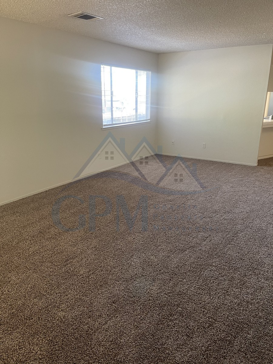 449 w 22ND (Olive Ave, Turn Right on M St, left on W 23rd St, Right on Canal St, left on 22nd St) Living room with fireplace, family room, new carpet and vinyl throughout, new paint throughout, new blinds bathroom has been remodeled, attached garage, laundry hookups. W/S/G included. No pets.  Please beware, We do not advertise on Craigslist or  Social Media. All tenants are required to obtain renters insurance of at least 50K prior to signing lease. FOR MORE INFORMATION – CALL GONELLA PROPERTY MANAGEMENT   Gonella Property Management DRE#01103054