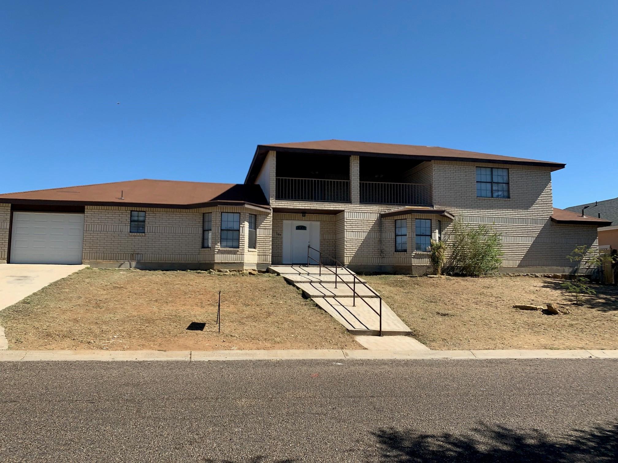 107 Otanes Ave, Laredo, TX, 78046