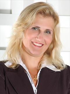 Marcia Cozer