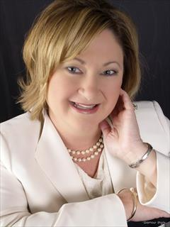 Carolyn Hernandez